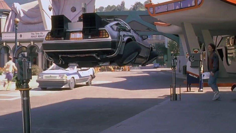 """Elon Musk: """"Uçan arabalar kafamızı kesebilir!"""""""