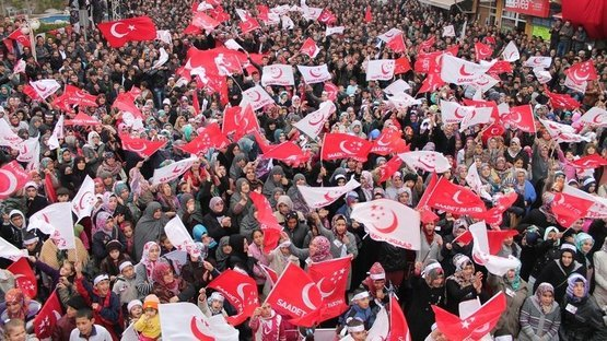 Saadet Partisi aday listesini YSK'ya teslim etti