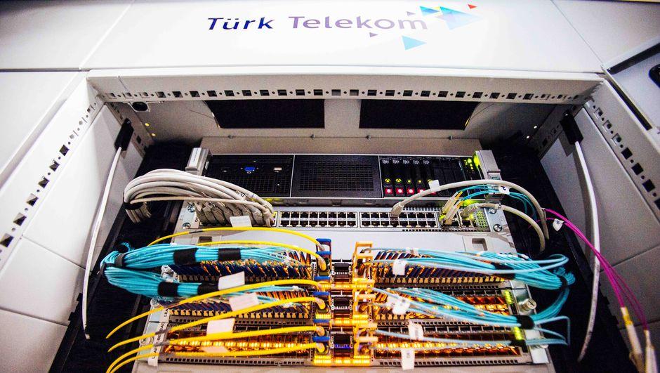 Türk Telekom'dan dev yatırım! Türkiye'nin en büyük veri merkezi...