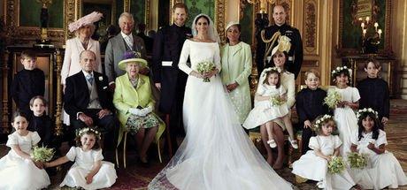 Meghan Markle ve Prens Harry, Kraliyet ailesi ile poz verdi!