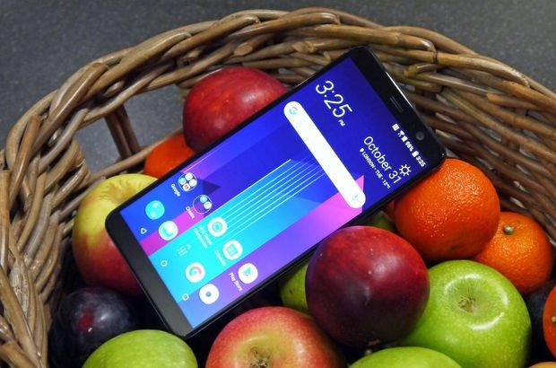 HTC U12 Plus'ın fiyatı, özellikleri ve tasarımı sızdı!