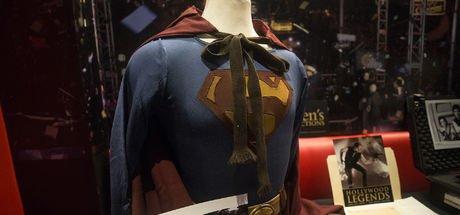 Superman ve Star Wars serisinin kostümleri açık artırmada