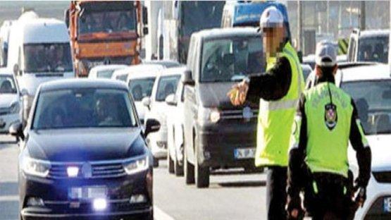 Çakarlı araç kullanan Milli Eğitim Müdürü'ne soruşturma