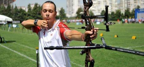 Efe Gürkan Maraş Okçulukta 16 yaşında Avrupa şampiyonu oldu