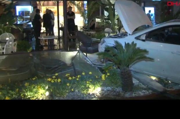 Kontrolden çıkan araç kafenin bahçesine girdi