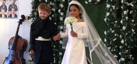 Kraliyet düğününü canlandıran çocuklar ilgi gördü
