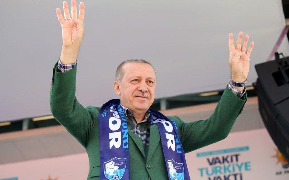 Cumhurbaşkanı Erdoğan: Paralarınızı TL'ye yatırın