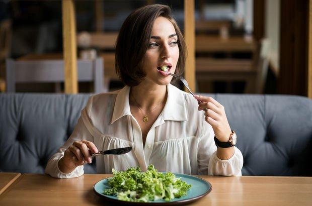 Müziğin sesi yemek tercihlerini etkiliyor