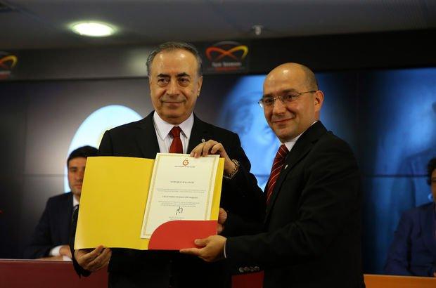 Galatasaray'da Mustafa Cengiz ve yönetimi mazbatalarını aldı