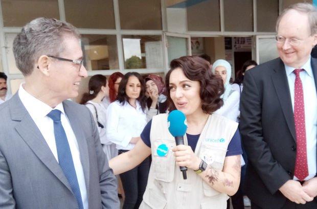 Ezgi Mola, mülteci çocukların eğitim gördüğü okulu ziyaret etti