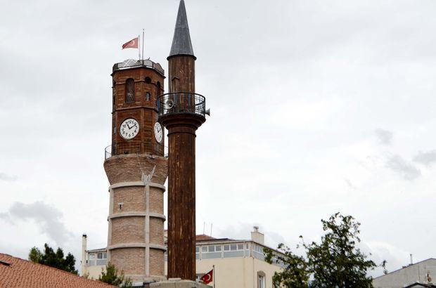 Tahta minareli 600 yıllık cami zamana meydan okuyor