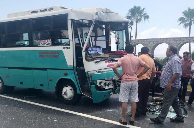 Alanya'da midibüs ile kamyon çarpıştı: 15 yaralı