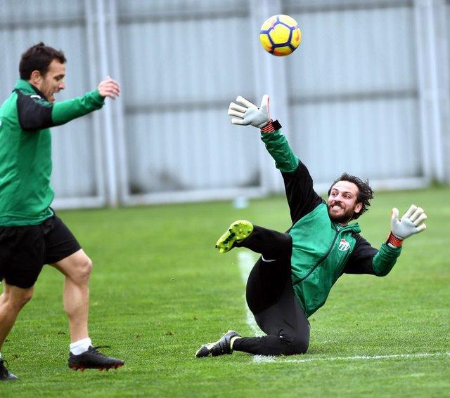 'Vartolu Sadettin' Erkan Kolçak Köstendil Vefaspor'a transfer oldu