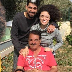"""BABAMIN MARKASI ALTINDA EZİLİYORUM"""
