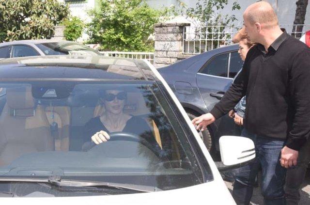 Defne Samyeli ve Cem Yılmaz aşk tatiline çıktı - Magazin haberleri