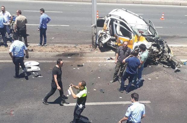 Diyarbakır'da feci kaza: 3 ölü, 8 yaralı