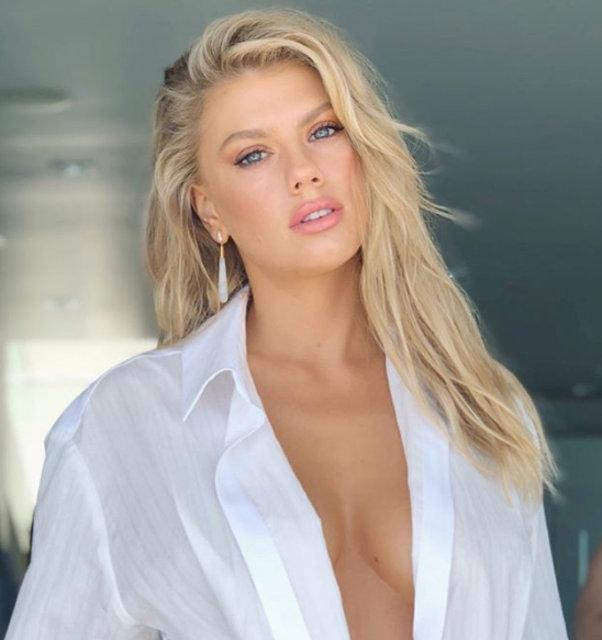 Ünlü model Charlotte McKinney'den cesur dekolte! - Magazin haberleri