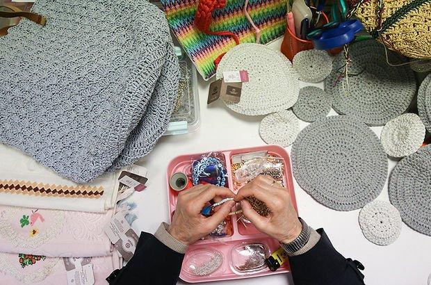 Evde el sanatlarıyla uğraşan kadınların sigortalılık şartları : Elişi yapan kadınların sigorta primi ödemeleri ne kadar?