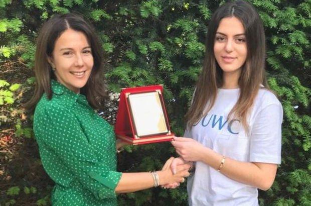 17 yaşındaki Kiraz Arınç Londra'da koştu Türk öğrencilere umut oldu