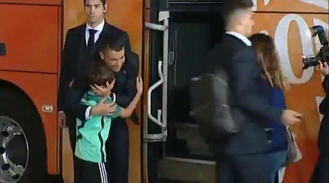 Herkes, Cristiano Ronaldo'nun bu hareketini konuşuyor!