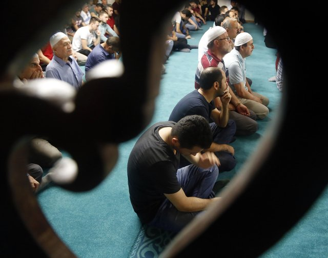 Kadir Gecesi'nde camiler doldu taştı
