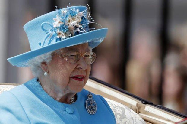 Kraliçe 92'yi devirdi