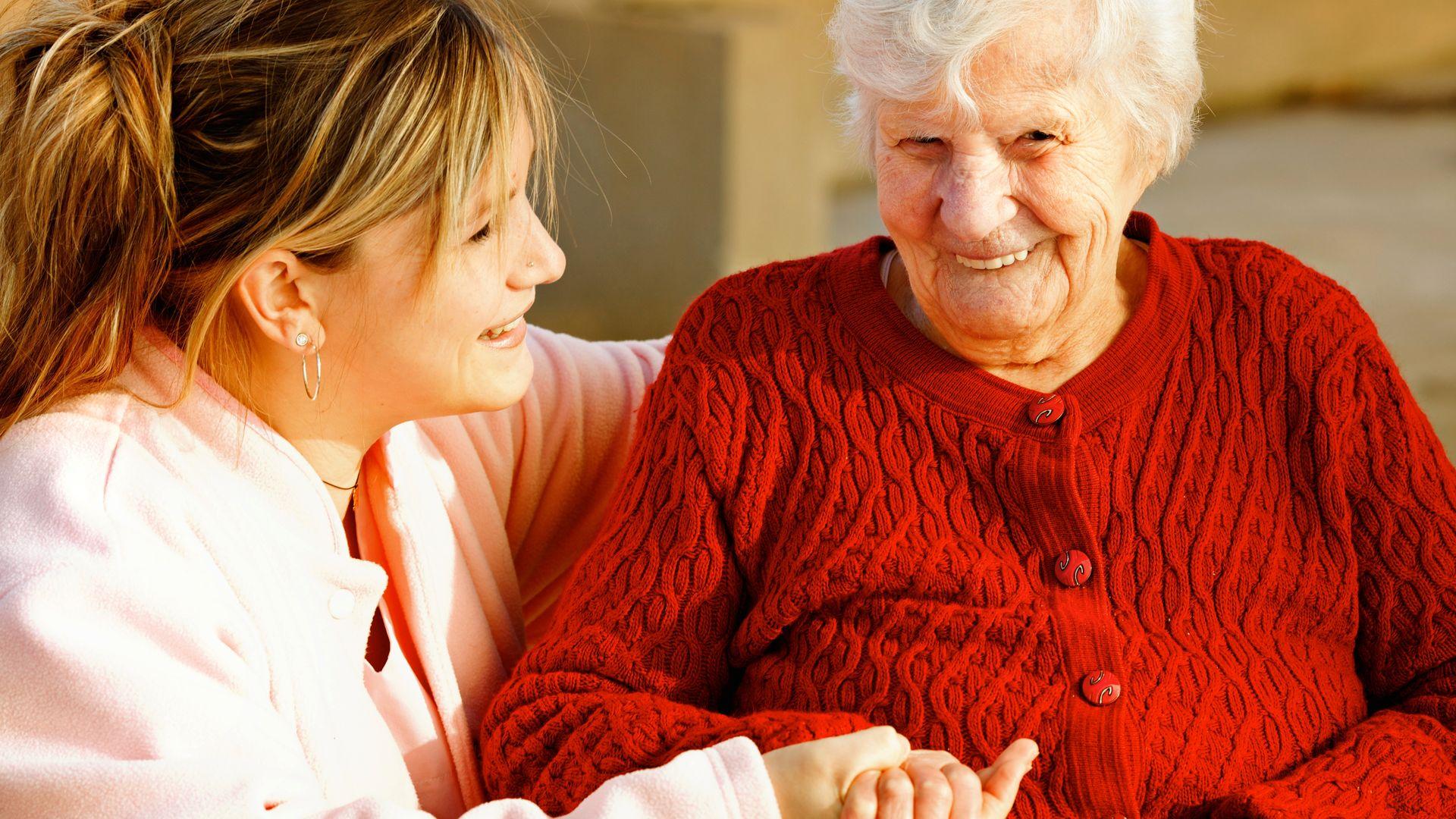 Menopoz sonrası kemik erimesine dikkat