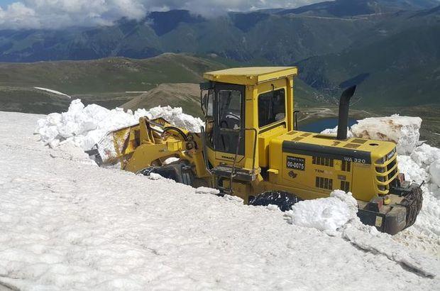 Kar kalınlığı yer yer 4 metreyi buluyor