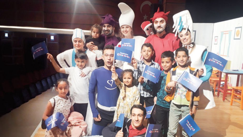 Diş tiyatrosu 10 bin çocuğa ulaştı