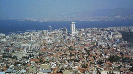 İzmir konut fiyatlarında İstanbul'u solladı