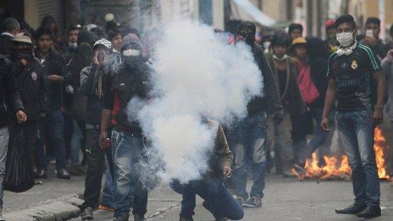 Bolivya'da sokaklar karıştı! Çok sayıda öğrenci gözaltına alındı