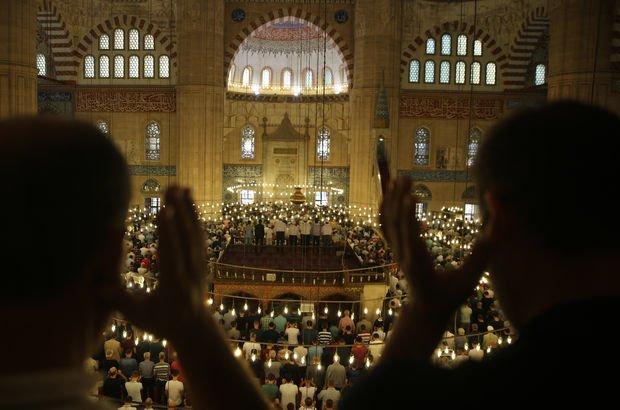 Niğde'de Ramazan Bayramı namazı saat kaçta kılınacak?