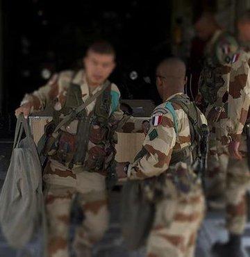 Koalisyon itiraf etti: Suriye'de Fransa-YPG iş birliği!