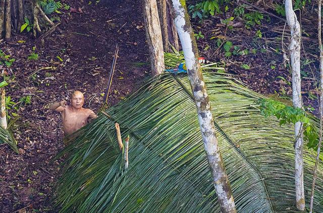 Fırtınadan kaçarken kabileyi yakaladı!