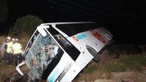 Aydın'da yolcu otobüsü devrildi: 45 yaralı