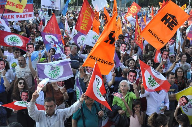 HDP, cezaevinde bulunan Selahattin Demirtaş için İzmir'de miting düzenleyecek