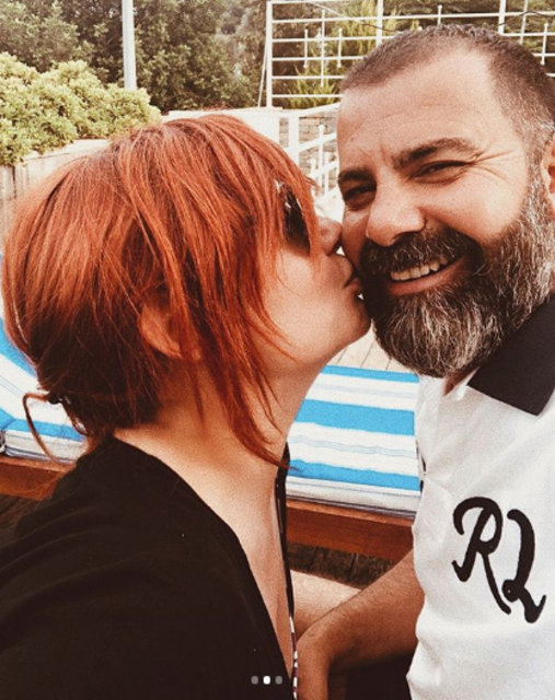 Deniz Seki'den aşk dolu paylaşım - Magazin haberleri