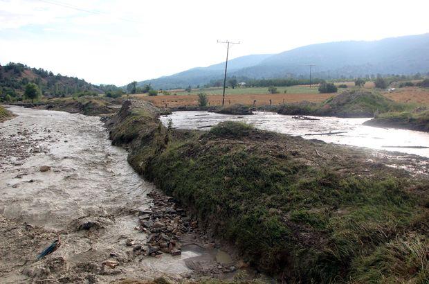 Bolu'da sağanak ve dolu tarım arazilerine zarar verdi