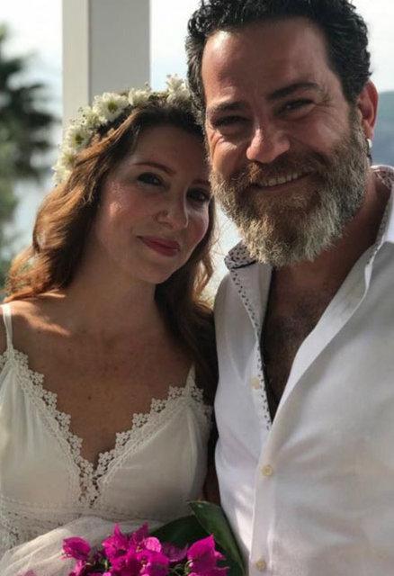 Oyuncu Burak Demir, Bikem Öğünç ile evlendi - Magazin haberleri