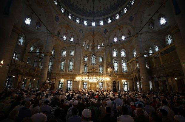 İstanbul Cuma saati! 22 Haziran Bugün İstanbul'da Cuma namazı saati kaçta, ezan ne zaman okunacak?