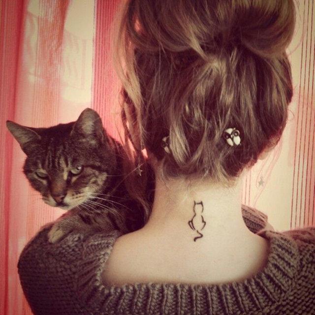En güzel minimal kedi dövmeleri