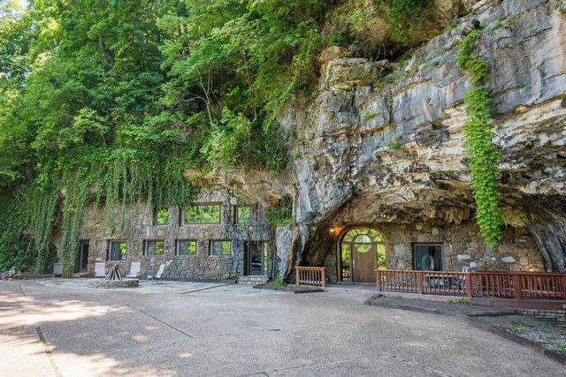 Dünyanın en lüks mağarası satışta!