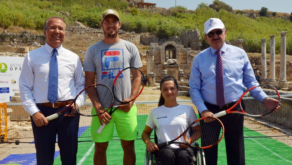 Antalya Open'da start verildi!
