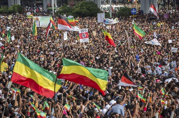 Etiyopya'da başbakanın mitinginde bombalı saldırı: 1ölü, yüzlerce yaralı!