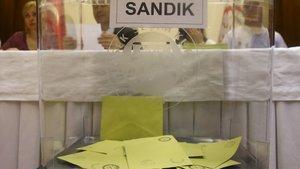 Oy kullanma saatleri