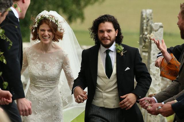 Game of Thrones oyuncuları Kit Harington ve Rose Leslie evlendi