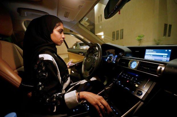 Suudi Arabistan'da kadınlar ilk araç sürüşünü gerçekleştirdi