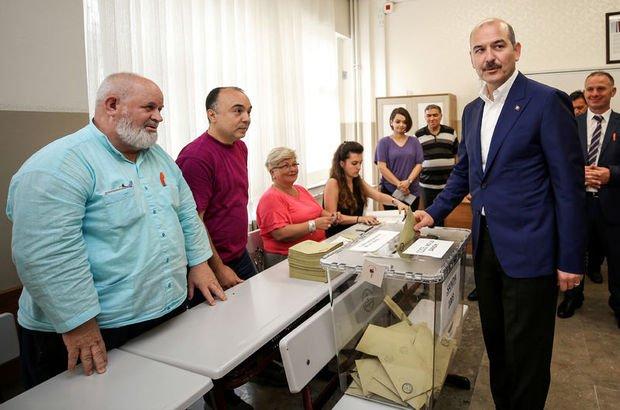 AK Parti Sözcüsü Mahir Ünal oyunu kullandı