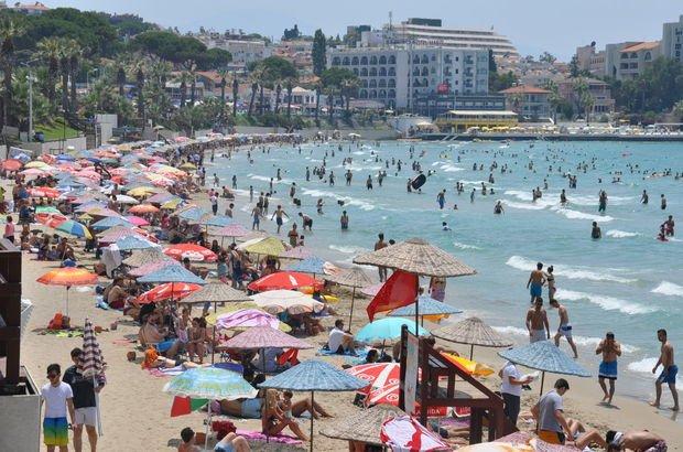 İzmir'de oy kullanan sahile koştu