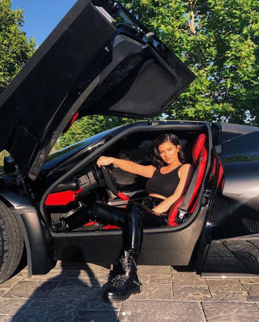 Kylie Jenner'dan Lamborghini ile paylaşım - Magazin haberleri